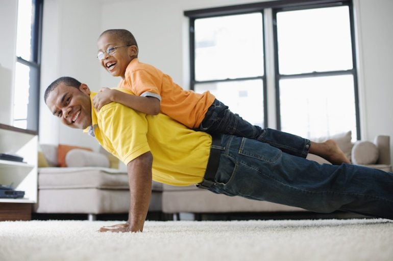myfitnesspal-dad-doing-pushups-with-kid